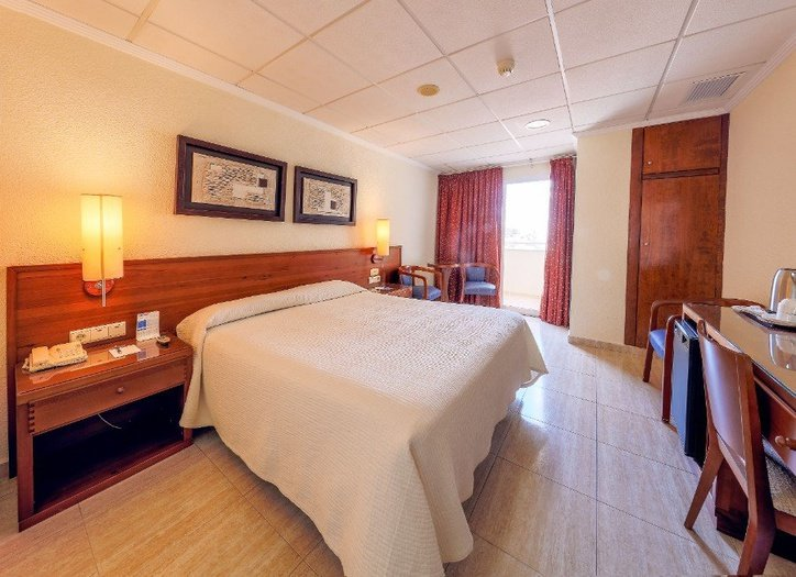 DOUBLE ROOM FOR SINGLE USE Masa Internacional Hotel Torrevieja, Alicante