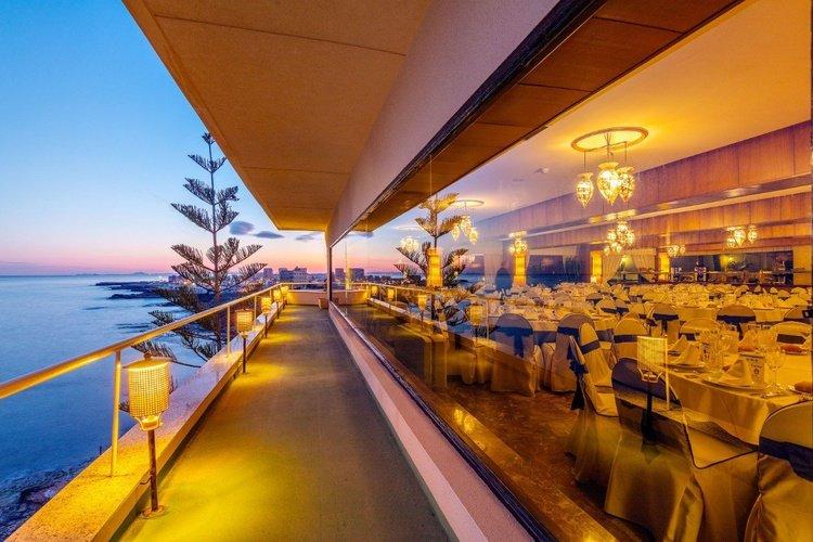 Terrace masa internacional hotel torrevieja, alicante