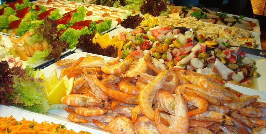 Buffet dinner Fridays and Saturdays Masa Internacional Hotel Torrevieja, Alicante